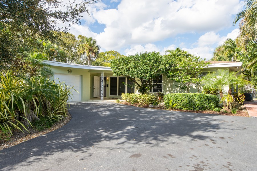 Real Estate Photography - 851 SW 4th St, Boca Raton, FL, 33486 - Front View
