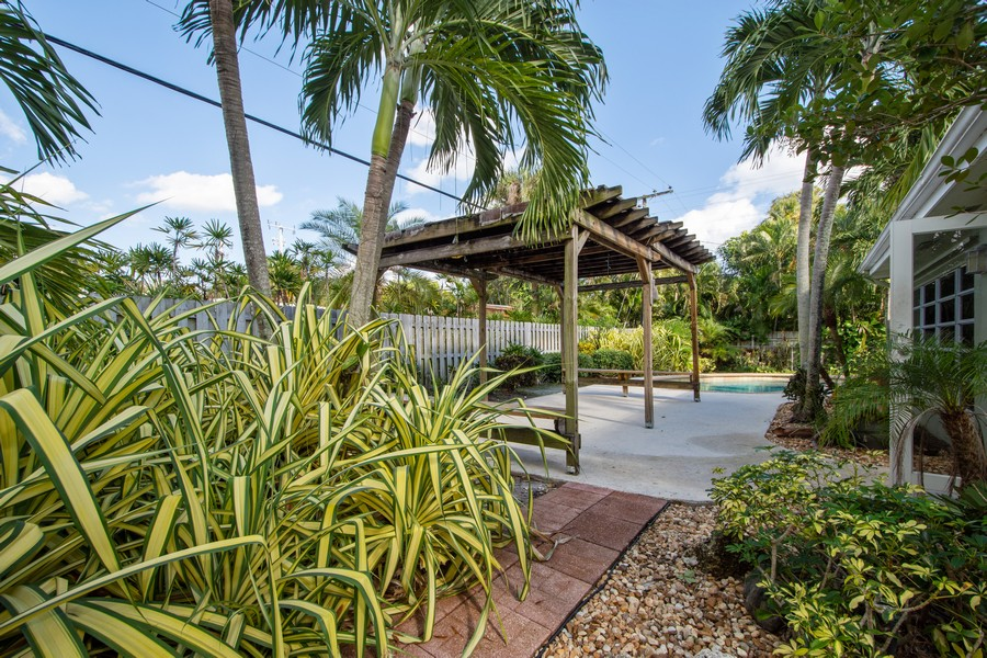 Real Estate Photography - 851 SW 4th St, Boca Raton, FL, 33486 - Patio