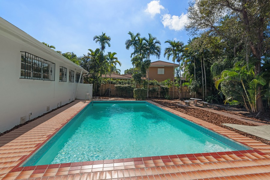 Real Estate Photography - 6200 Leonardo Street, Coral Gables, FL, 33146 - Pool