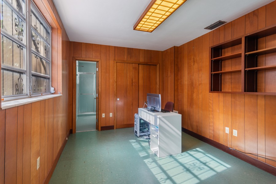 Real Estate Photography - 6200 Leonardo Street, Coral Gables, FL, 33146 - Office