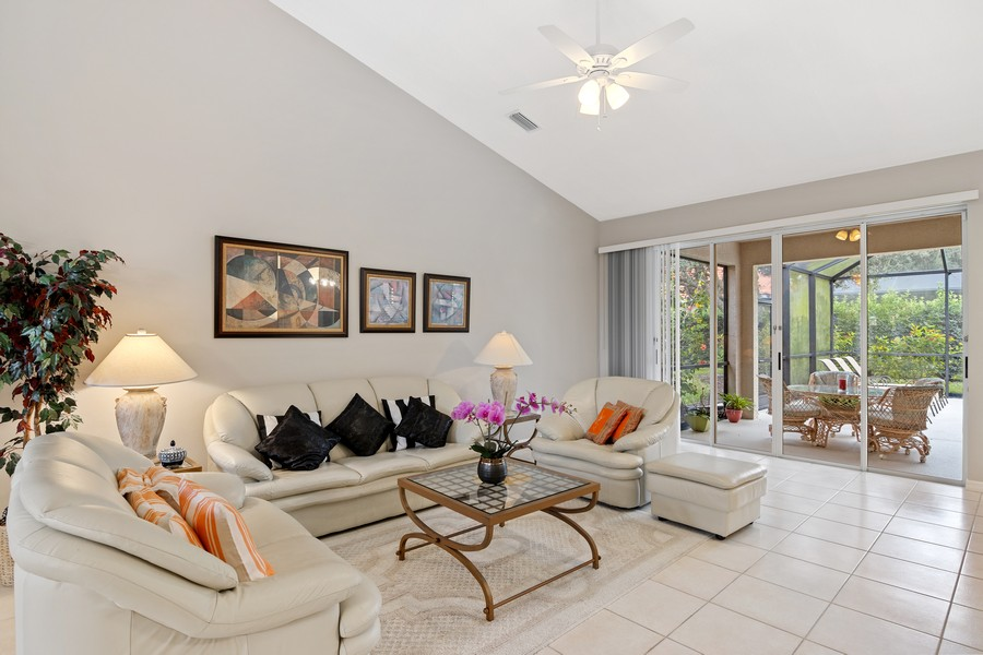 Real Estate Photography - 6832 Bay Hill Dr, Lakewood Ranch, FL, 34202 - Living Room