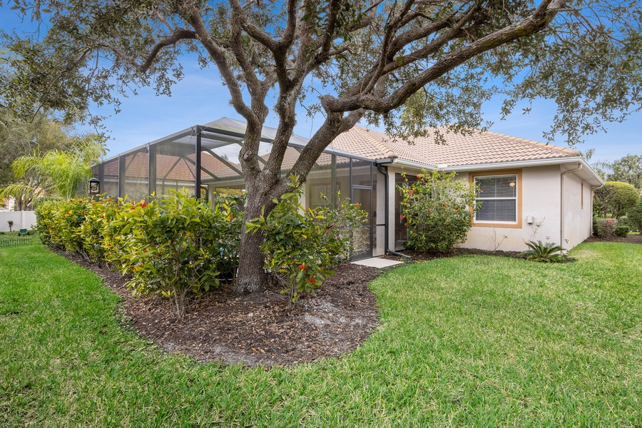 Real Estate Photography - 6832 Bay Hill Dr, Lakewood Ranch, FL, 34202 - Rear View