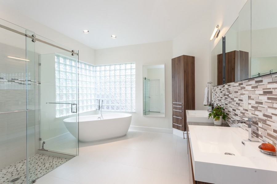 Real Estate Photography - 420 Alexandra Cir, Weston, FL, 33326 - Master Bathroom