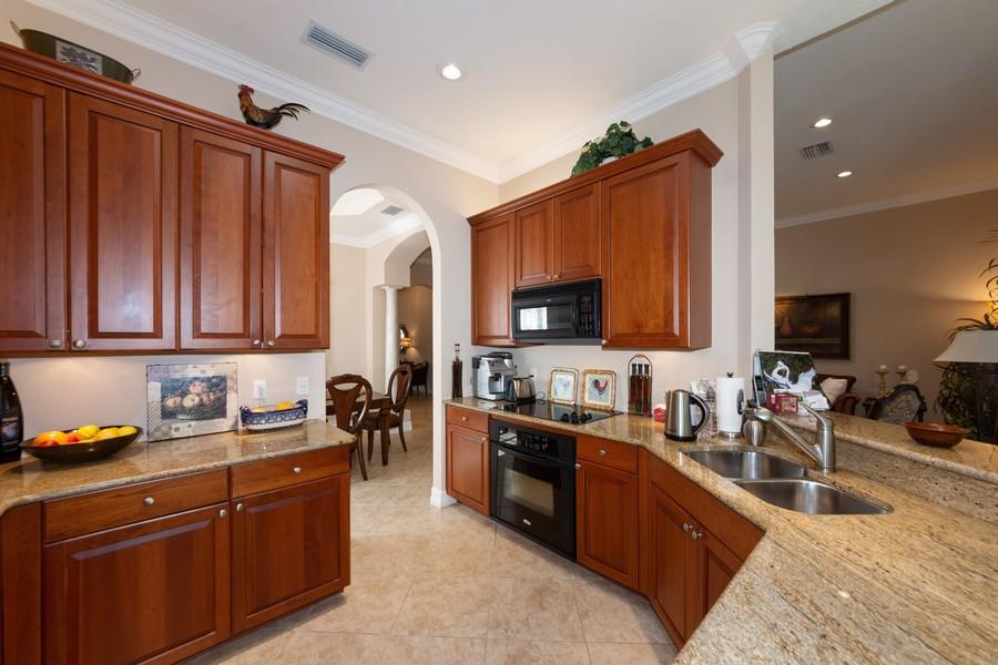 Real Estate Photography - 16177 Parque Lane, Naples, FL, 34110 - Kitchen