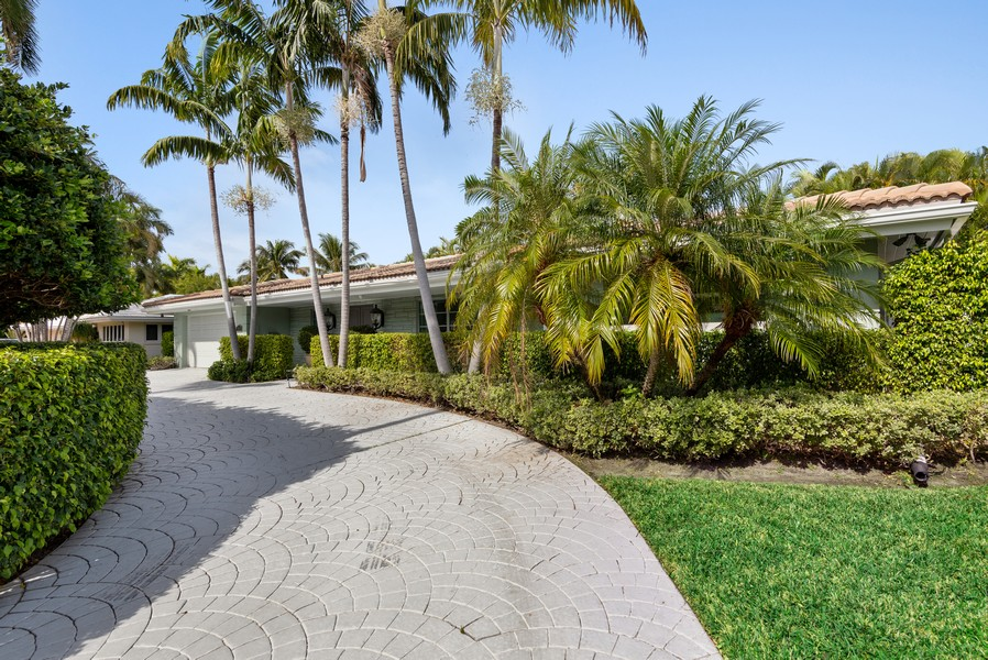 Real Estate Photography - 2825 NE 25th Street, Fort Lauderdale, FL, 33305 - Front View