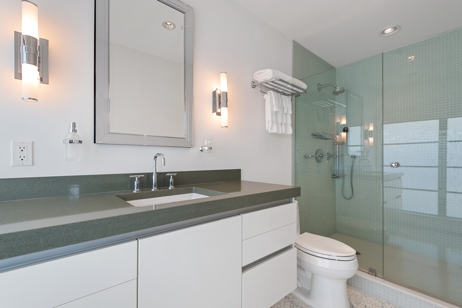Real Estate Photography - 2825 NE 25th Street, Fort Lauderdale, FL, 33305 - Second Bedroom En Suite Bath