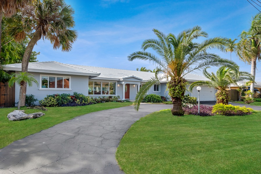 Real Estate Photography - 2864 NE 25th Court, Fort Lauderdale, FL, 33305 - Front View