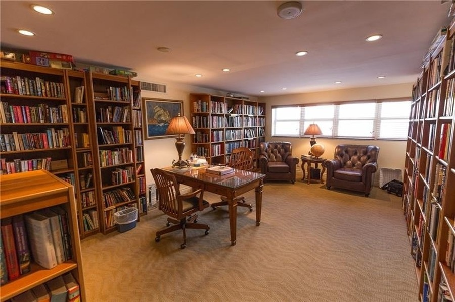 Real Estate Photography - 2100 S Ocean Drive, 7G, Ft Lauderdale, FL, 33316 - Library