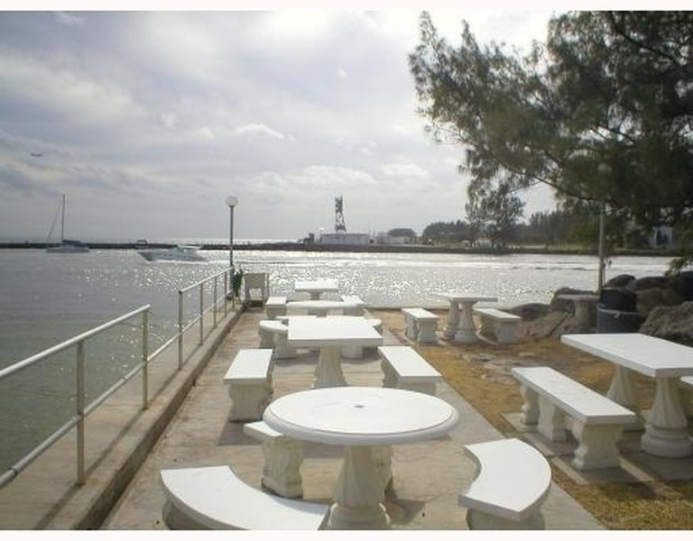 Real Estate Photography - 2100 S Ocean Drive, 7G, Ft Lauderdale, FL, 33316 - Ocean Front Picnic and BBQ