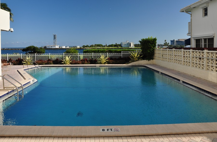 Real Estate Photography - 2100 S Ocean Drive, 7G, Ft Lauderdale, FL, 33316 - Heated Water Front Pool