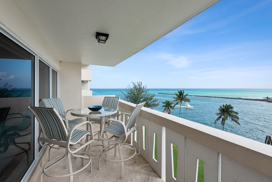 Real Estate Photography - 2100 S Ocean Drive, 7G, Ft Lauderdale, FL, 33316 - Balcony