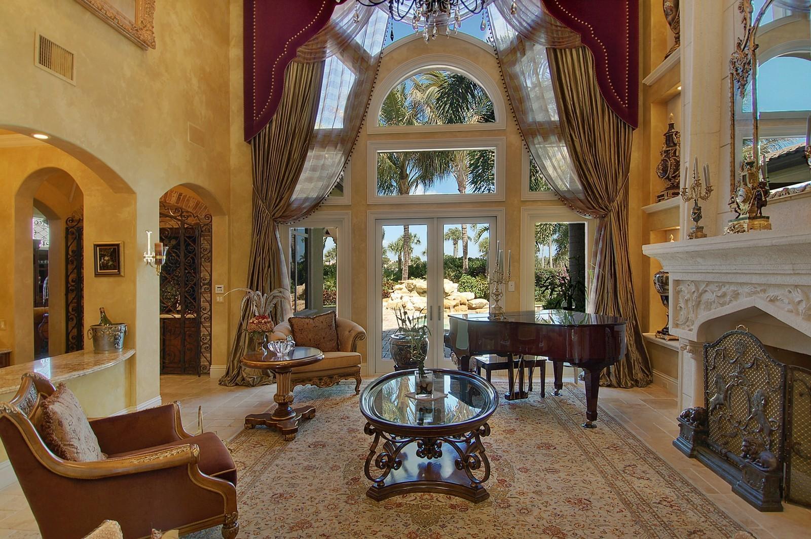 Real Estate Photography - 215 Royal Palm Way, Boca Raton, FL, 33432 - Living Room