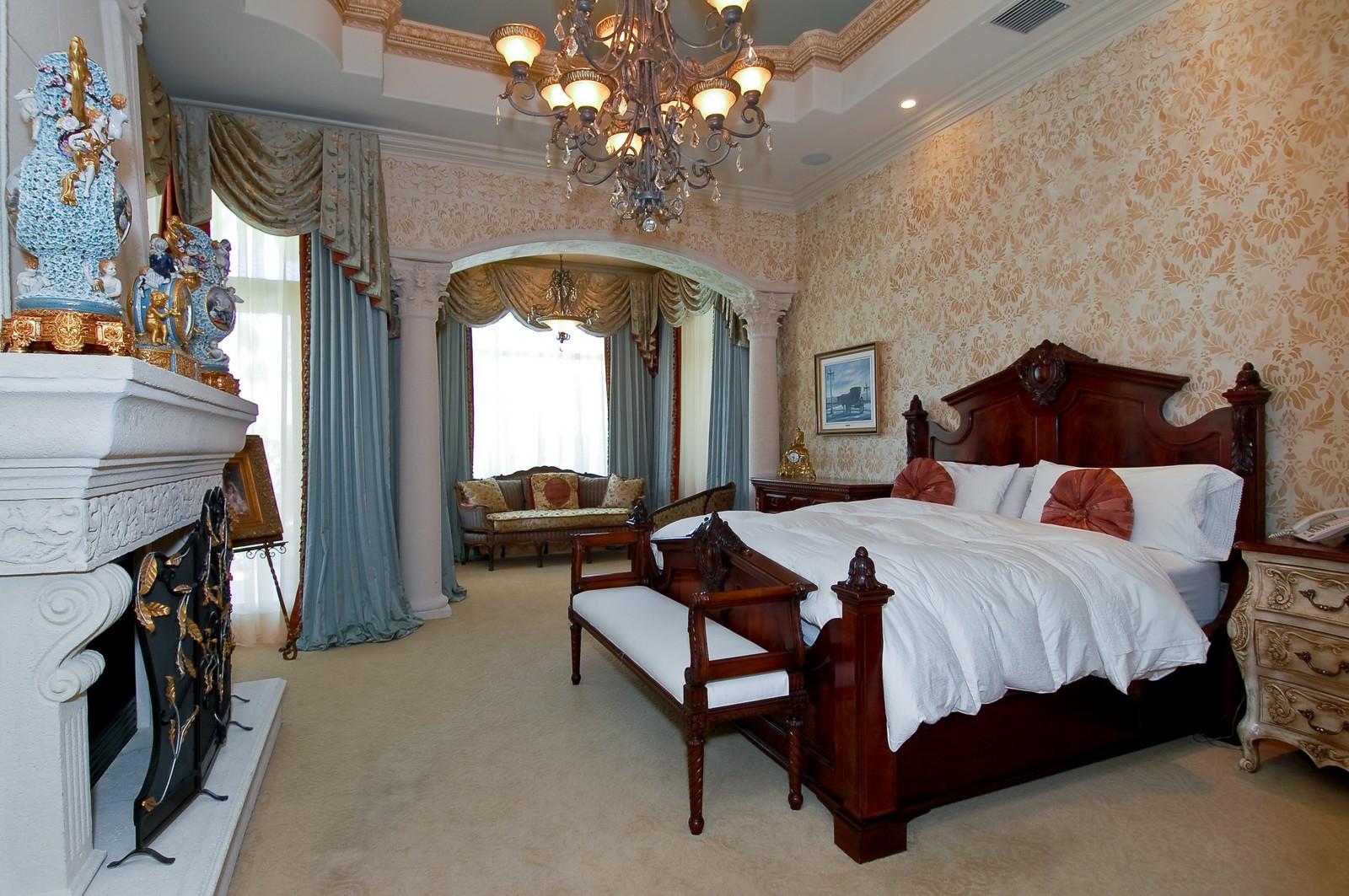 Real Estate Photography - 215 Royal Palm Way, Boca Raton, FL, 33432 - Master Bedroom