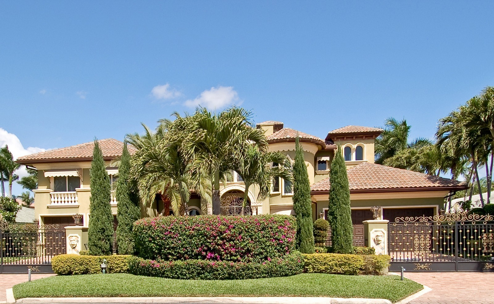 Real Estate Photography - 215 Royal Palm Way, Boca Raton, FL, 33432 - Front View