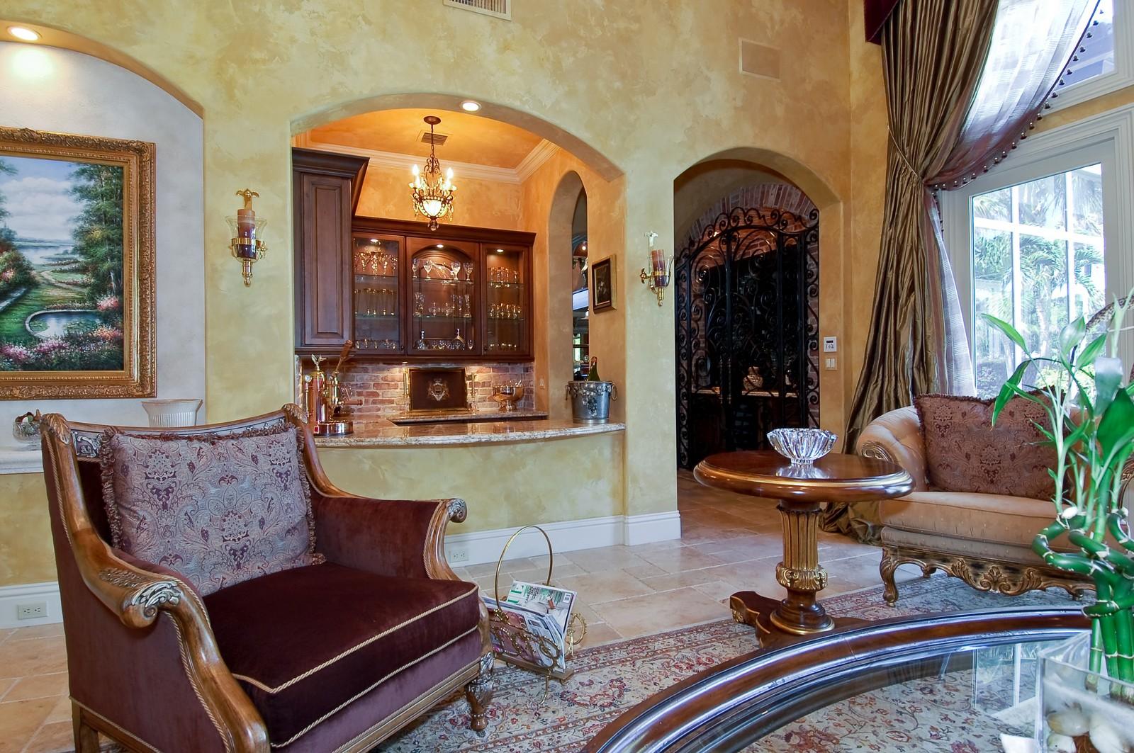 Real Estate Photography - 215 Royal Palm Way, Boca Raton, FL, 33432 - Bar