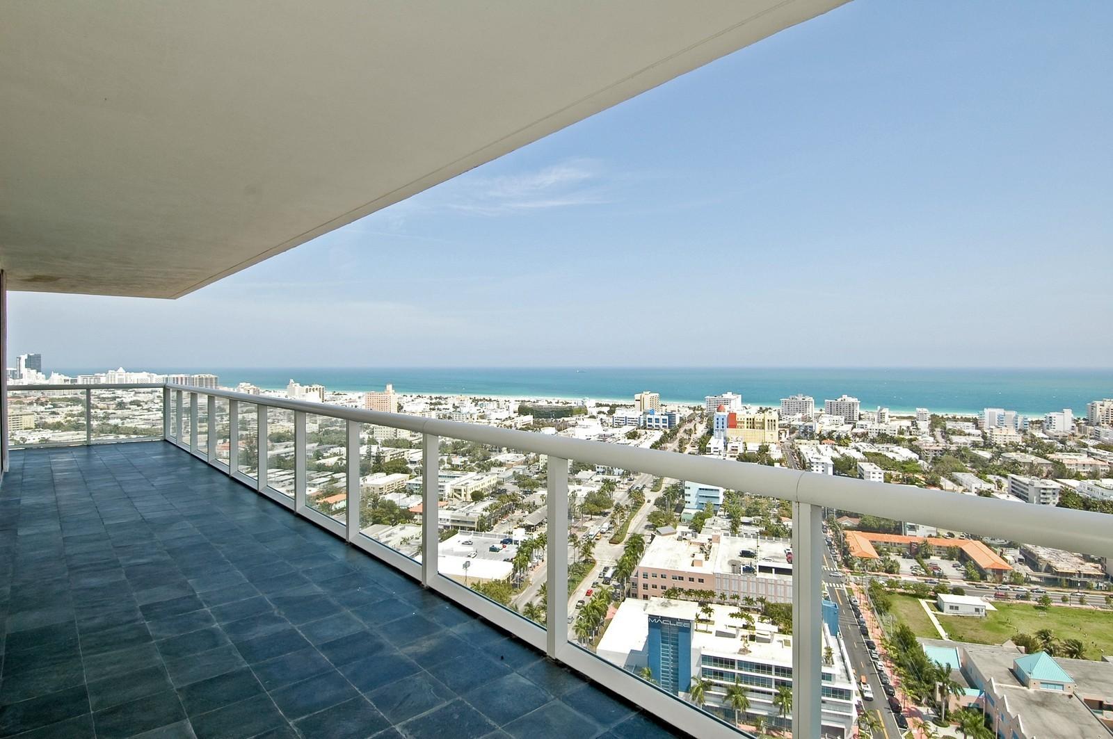 Real Estate Photography - 450 Alton Rd, Unit 2910, Miami Beach, FL, 33139 - Terrace