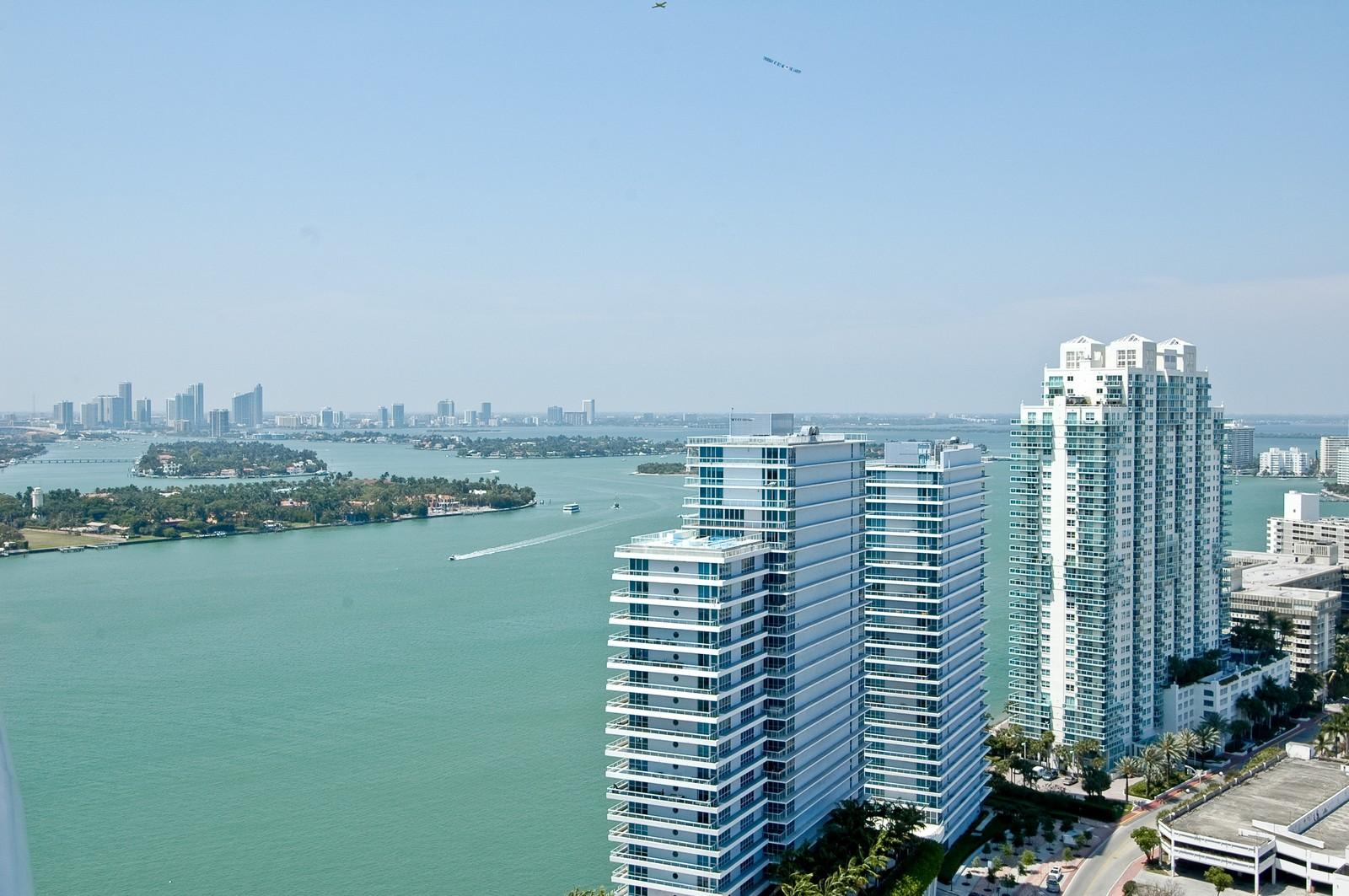 Real Estate Photography - 450 Alton Rd, Unit 2910, Miami Beach, FL, 33139 - Bay View
