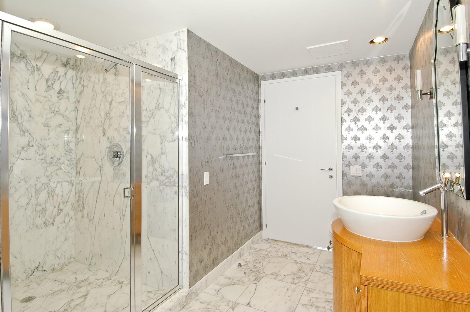 Real Estate Photography - 450 Alton Rd, Unit 2910, Miami Beach, FL, 33139 - Bathroom