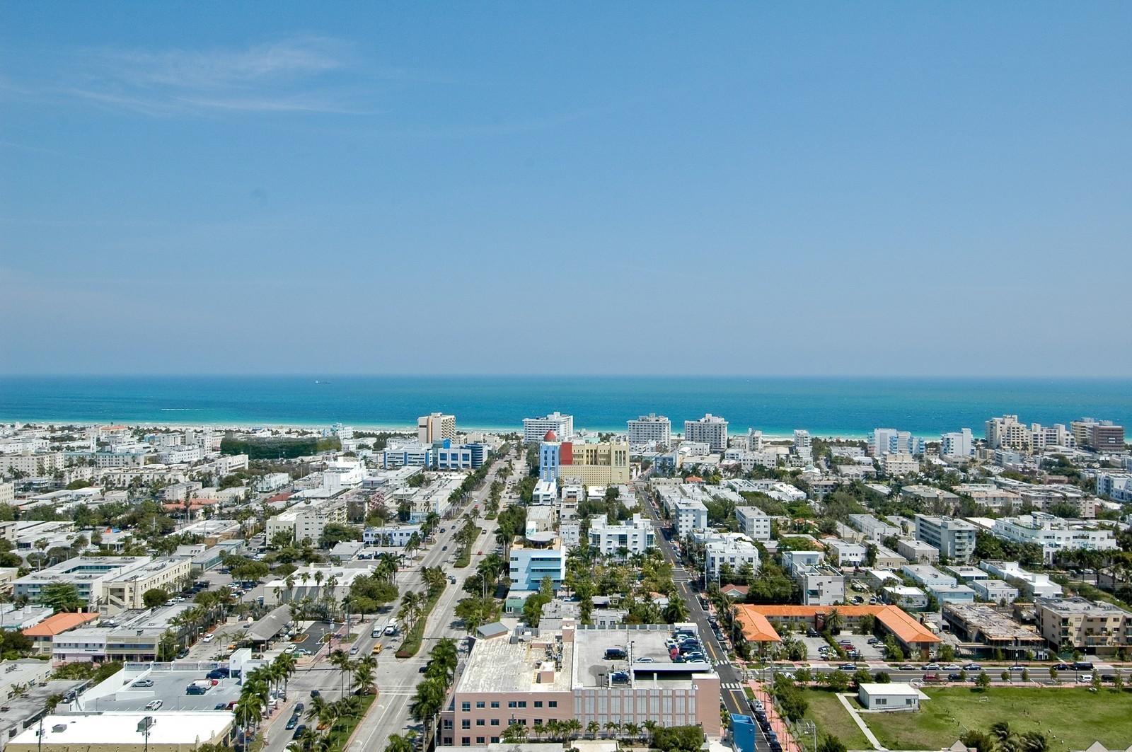 Real Estate Photography - 450 Alton Rd, Unit 2910, Miami Beach, FL, 33139 - Ocean View