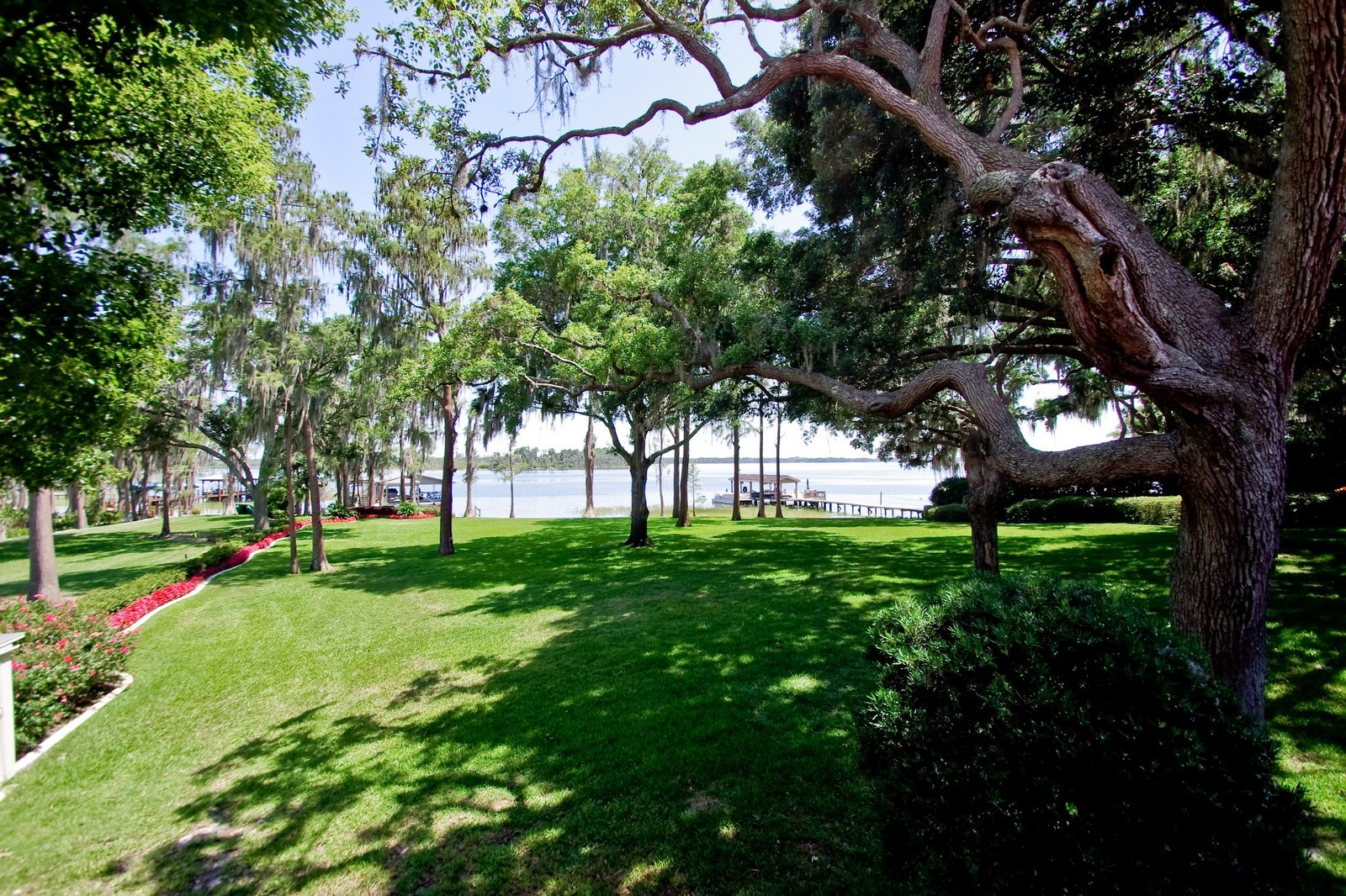 Real Estate Photography - 522 W 2nd Ave, Windermere, FL, 34786 - Lake View