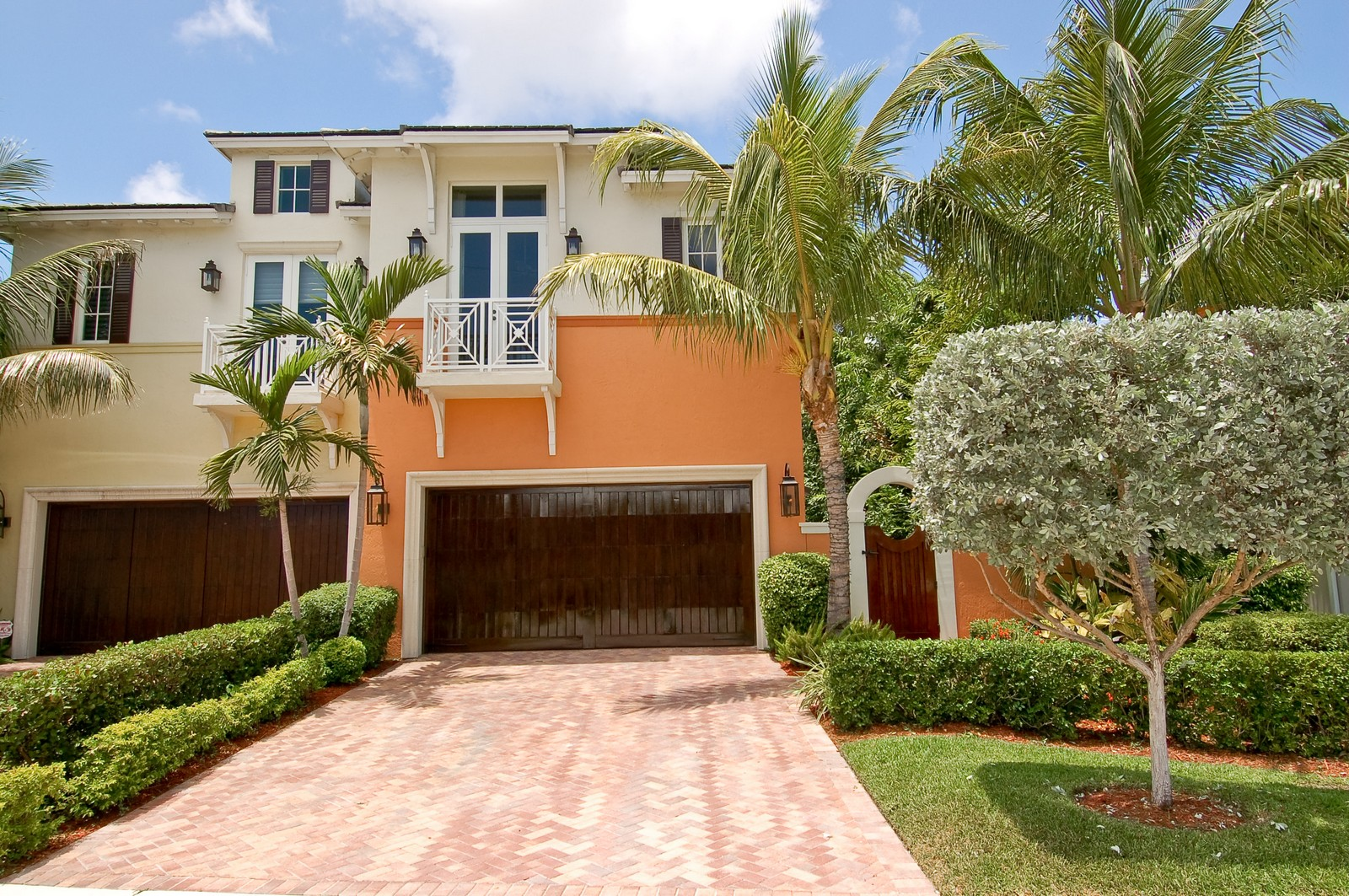 Real Estate Photography - 114 Venetian Dr, Delray Beach, FL, 33483 - Front View