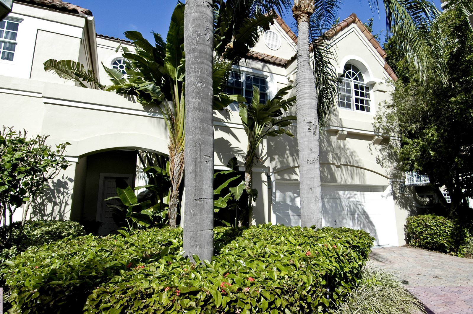 Real Estate Photography - 19566 NE 37 Ave, Aventura, FL, 33180 - Front View