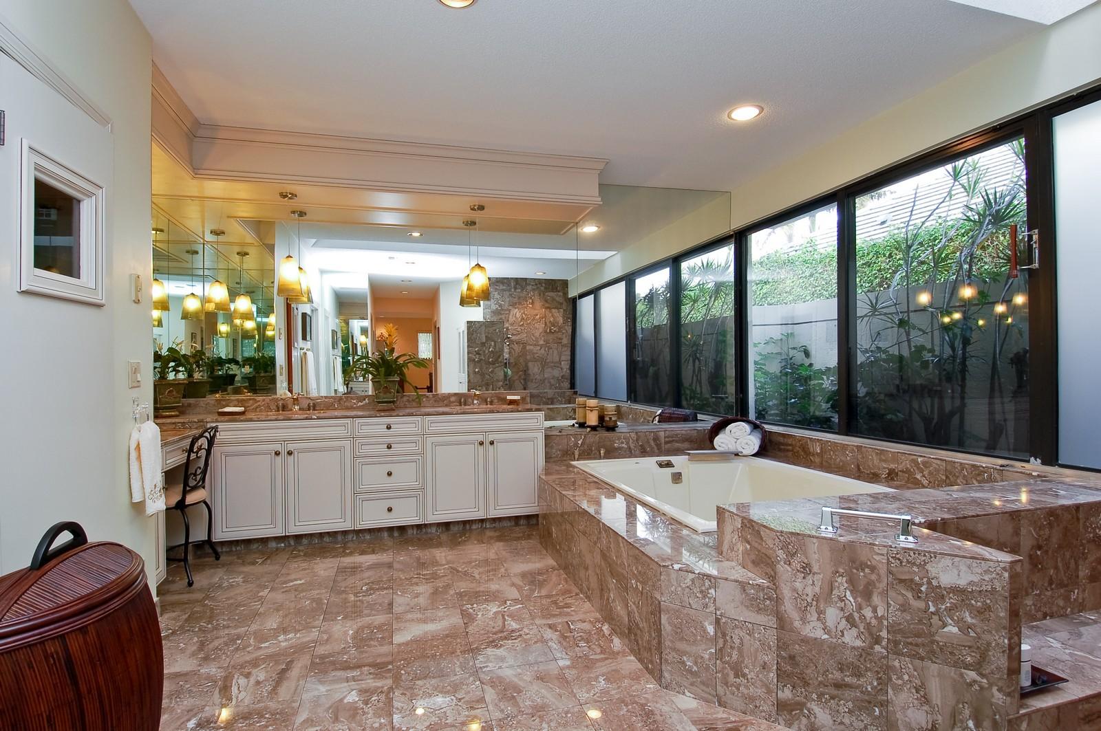 Real Estate Photography - 7339 Mandarin, Boca Raton, FL, 33433 - Master Bathroom