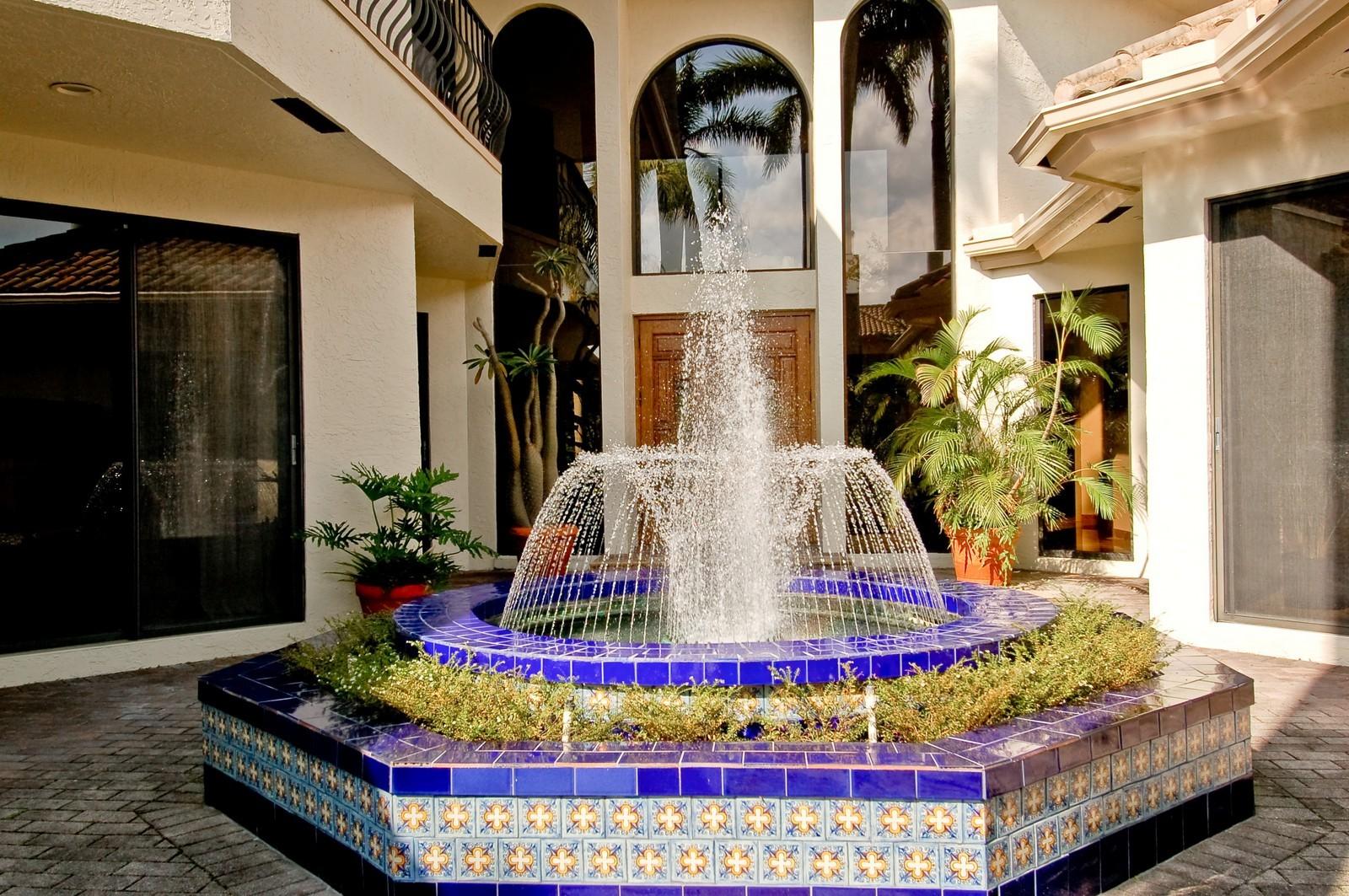 Real Estate Photography - 7339 Mandarin, Boca Raton, FL, 33433 - Courtyard