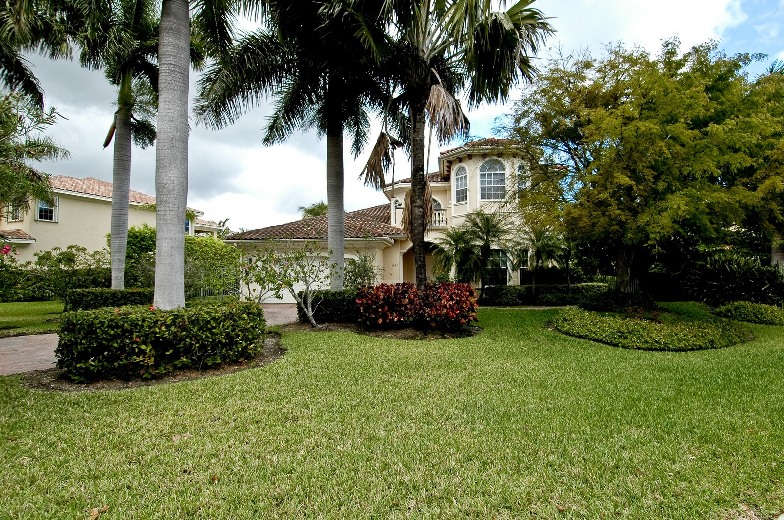 Real Estate Photography - 1081 Habor, Hollywood, FL, 33019 - Front View