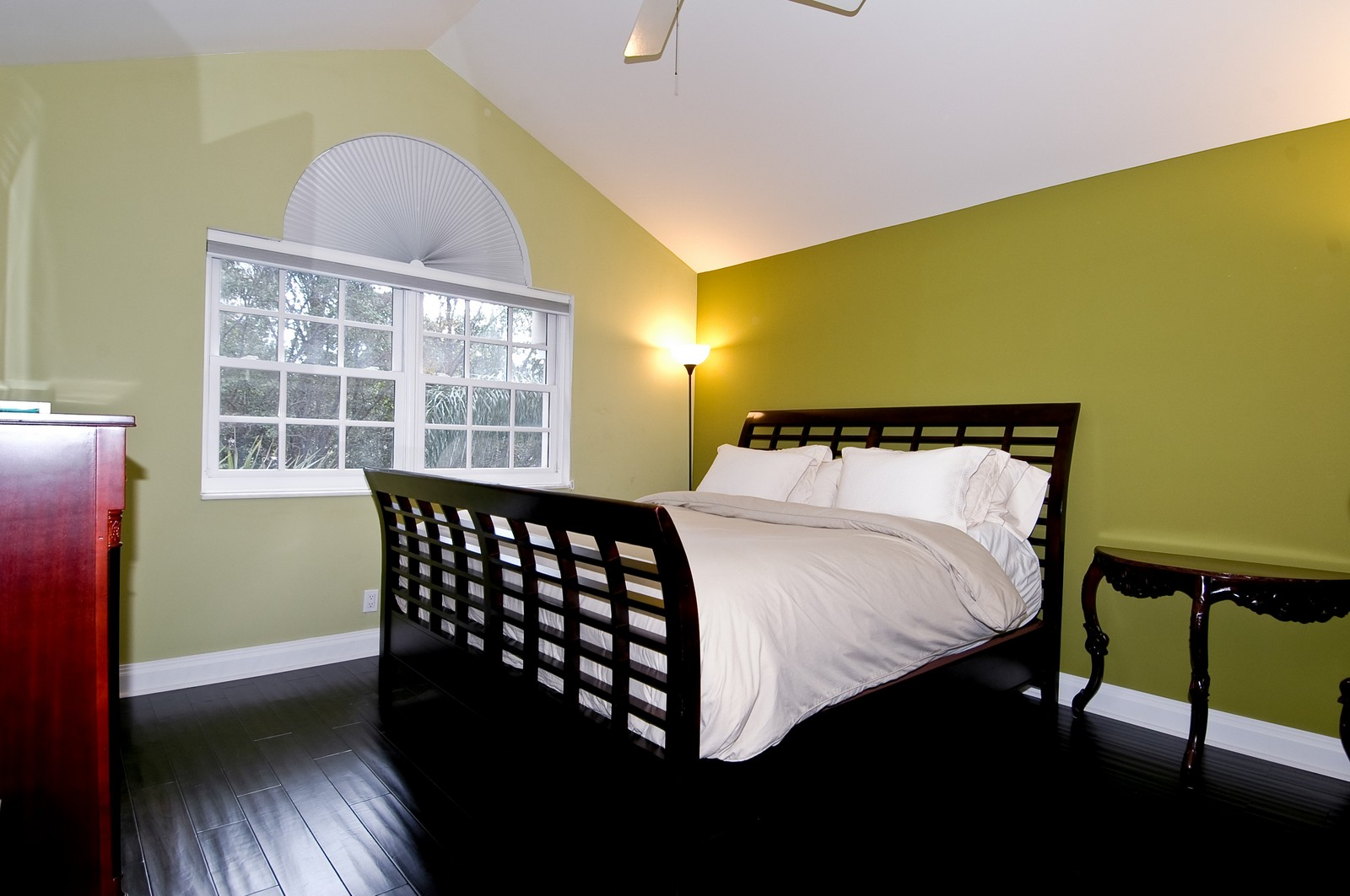 Real Estate Photography - 3685 NE 195 Ter, Aventura, FL, 33180 - Bedroom