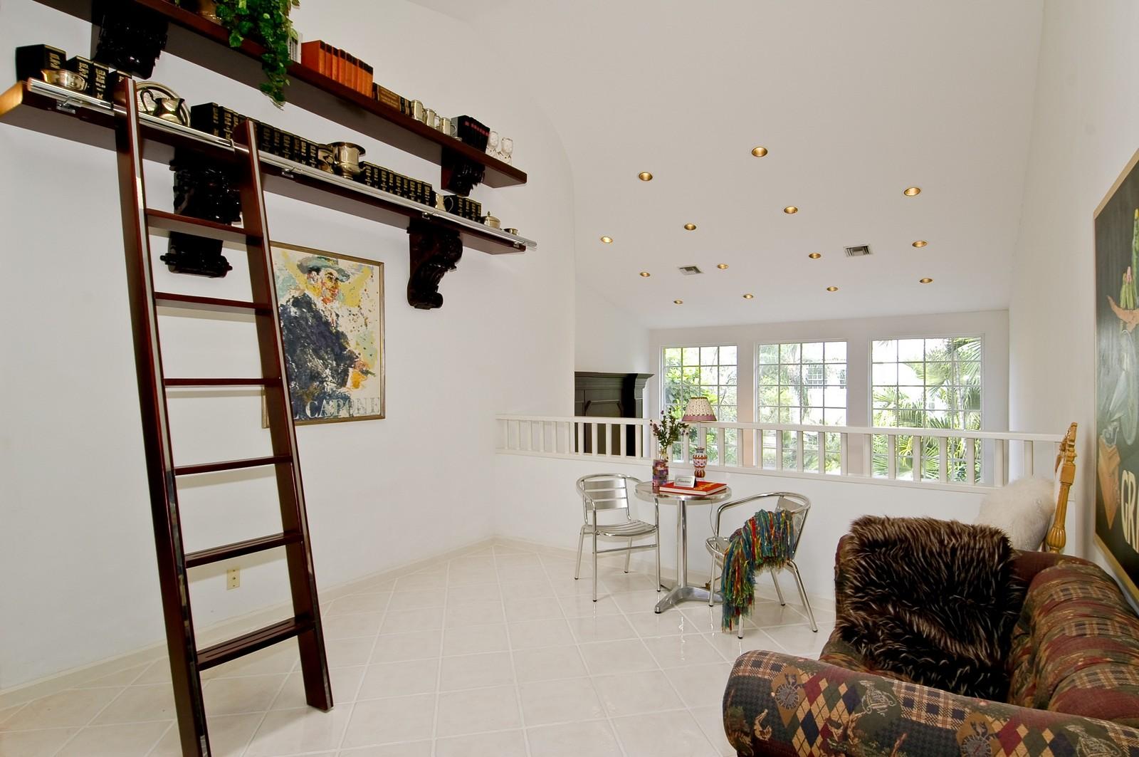 Real Estate Photography - 3685 NE 195 Ter, Aventura, FL, 33180 - Loft