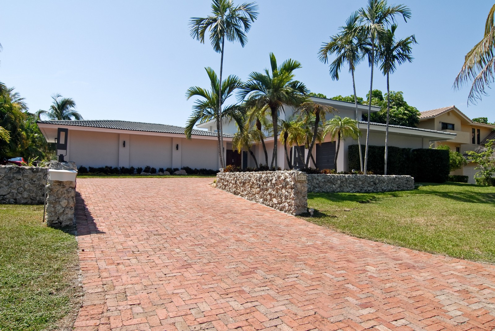 Real Estate Photography - 6842 Sunrise Ter, Coral Gables, FL, 33133 - Front View