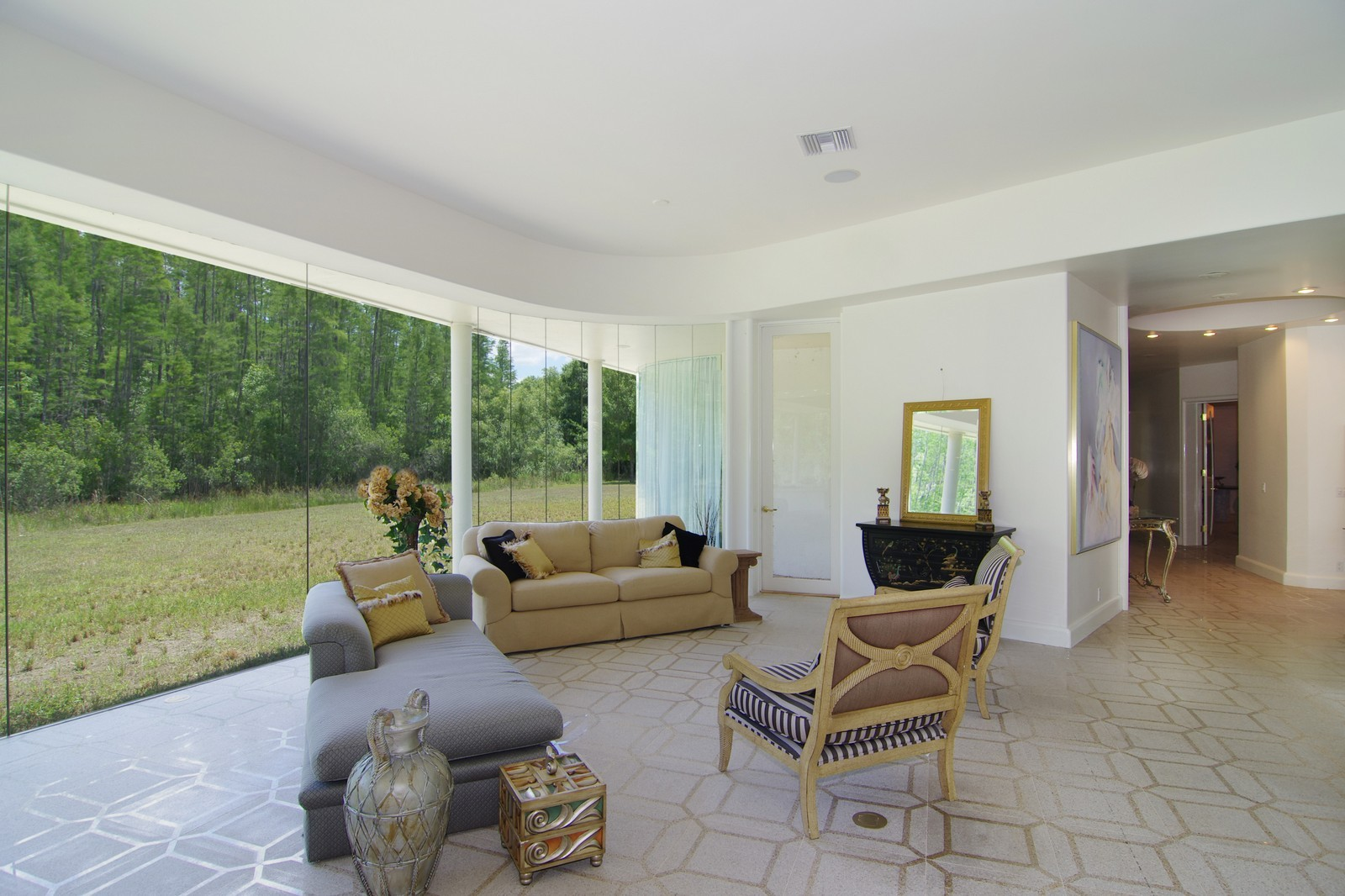 Real Estate Photography - 5601 TPC Blvd, Lutz, FL, 33558 - Living Room