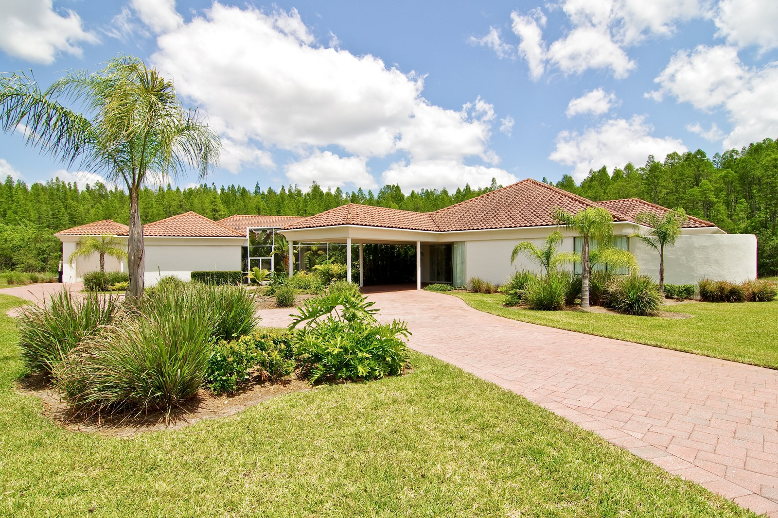 Real Estate Photography - 5601 TPC Blvd, Lutz, FL, 33558 - Front View