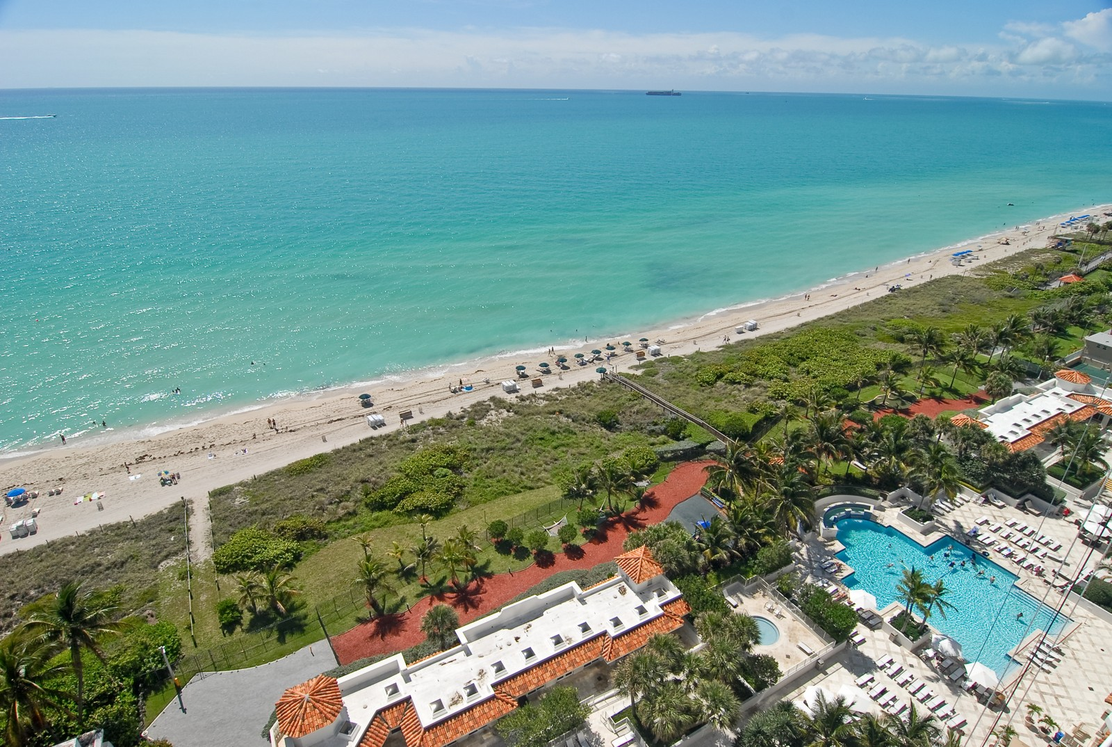 Real Estate Photography - 4779 Collins Ave, Unit 1901, Miami Beach, FL, 33140 - Pool