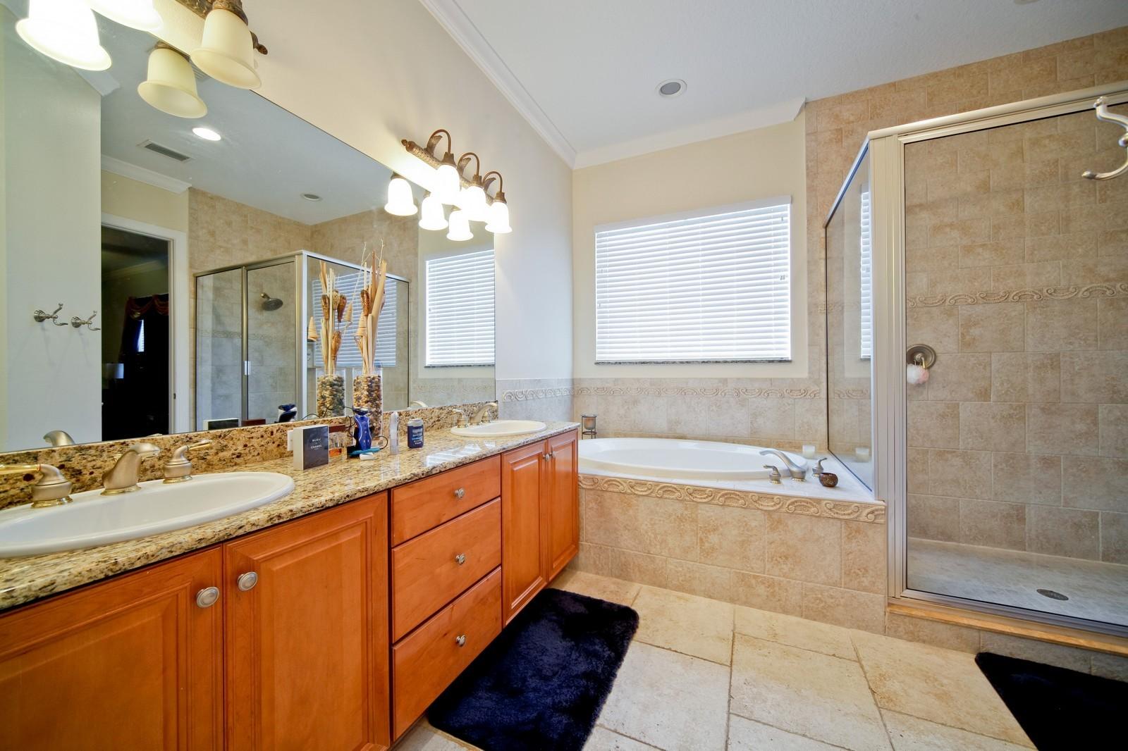 Real Estate Photography - 3812 El Prado Blvd, Tampa, FL, 33629 - Master Bathroom