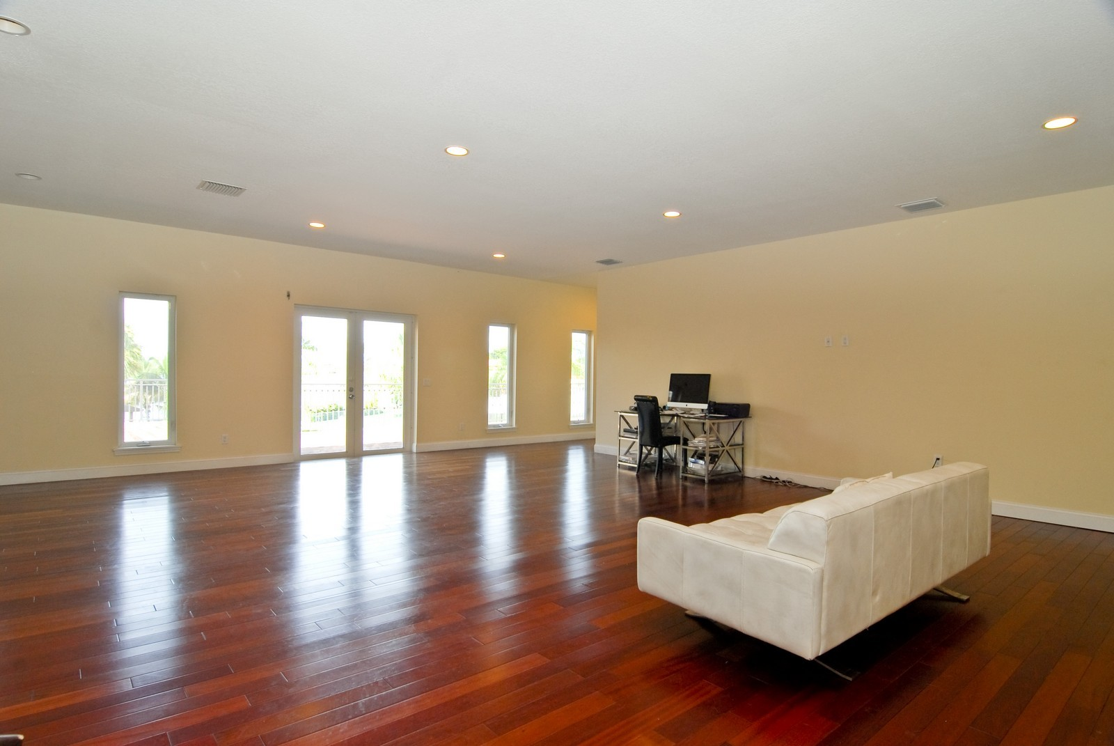 Real Estate Photography - 9263 SW 136th Ter, Miami, FL, 33176 - Great Room