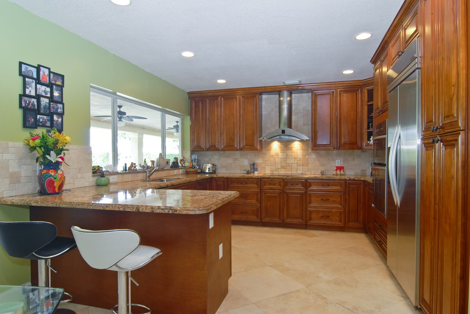 Real Estate Photography - 9263 SW 136th Ter, Miami, FL, 33176 - Kitchen