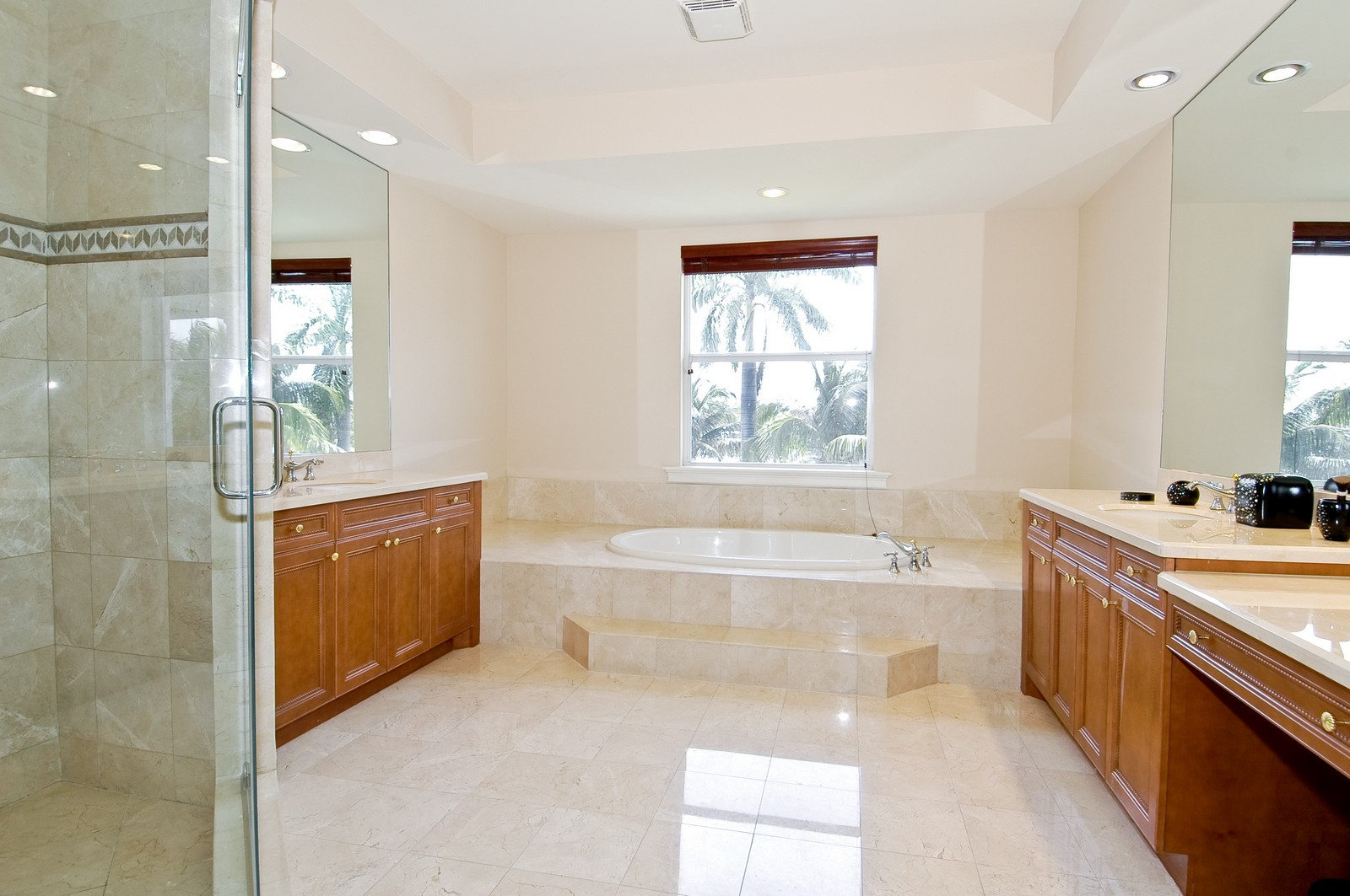 Real Estate Photography - 1260 Hatteras Ln, Hollywood, FL, 33019 - Master Bathroom