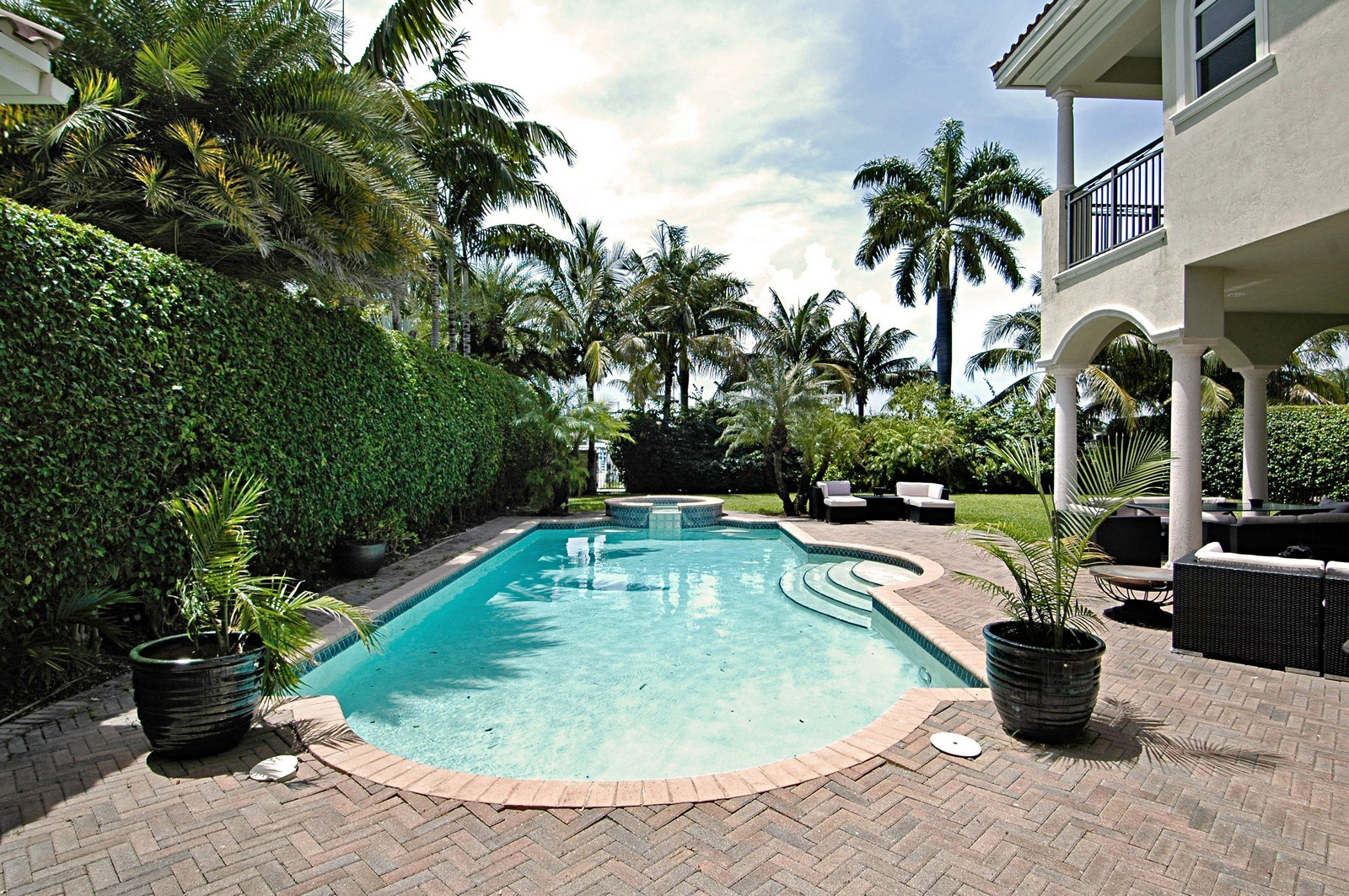 Real Estate Photography - 1260 Hatteras Ln, Hollywood, FL, 33019 - Pool