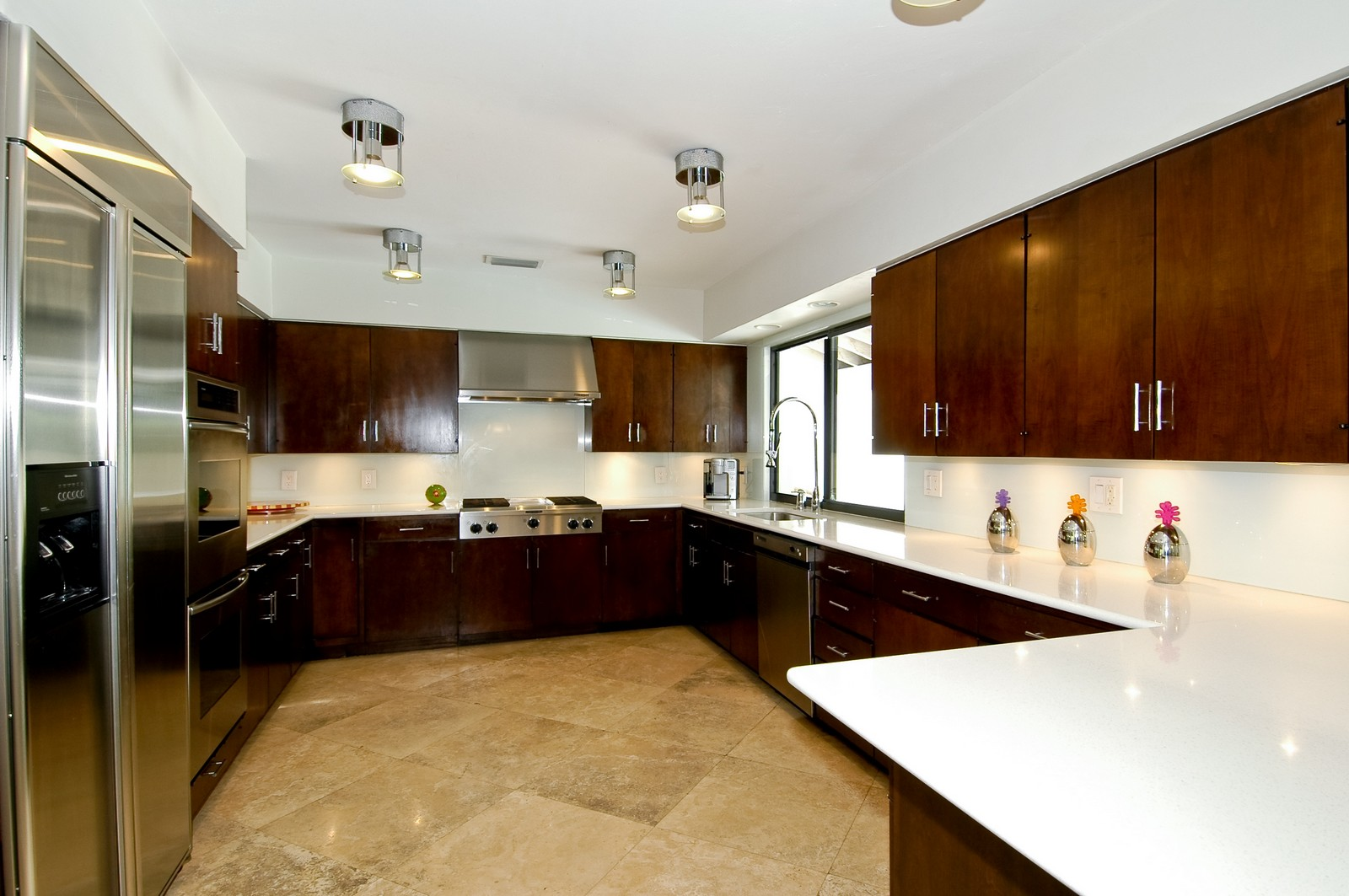 Real Estate Photography - 5900 SW 116th St, Coral Gables, FL, 33156 - Kitchen