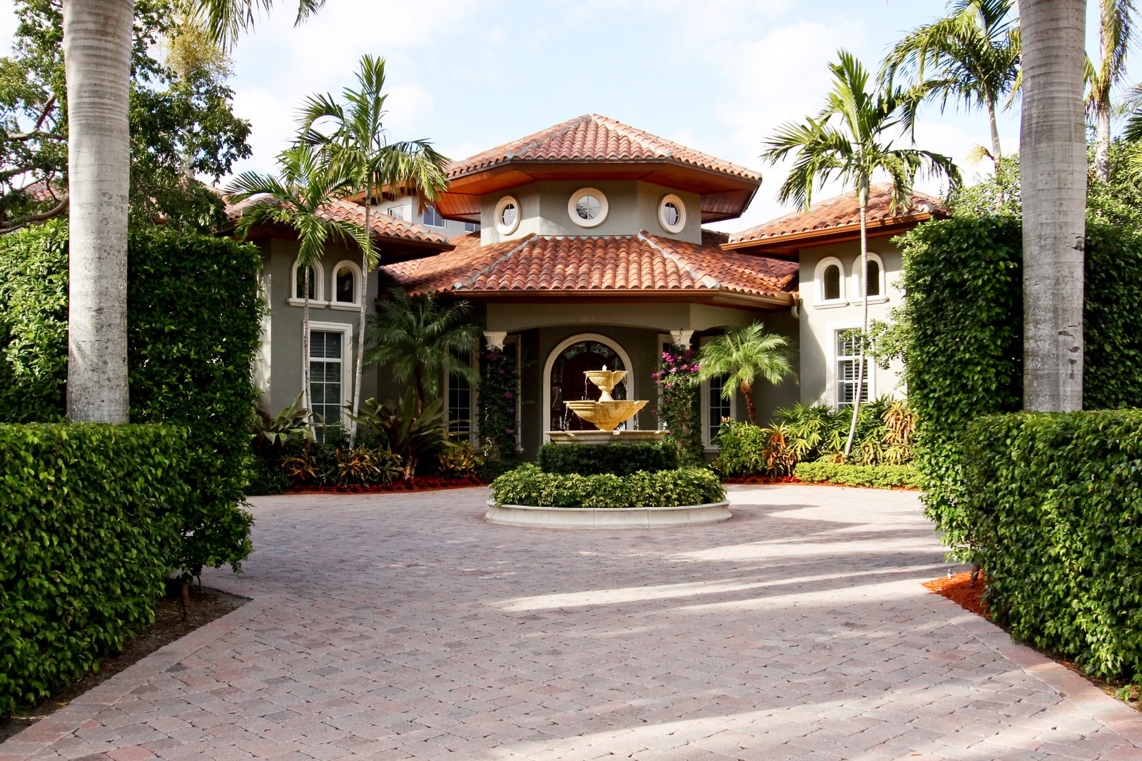 Real Estate Photography - 809 Harbour Isles Court, North Palm Beach, FL, 33410 - Front View