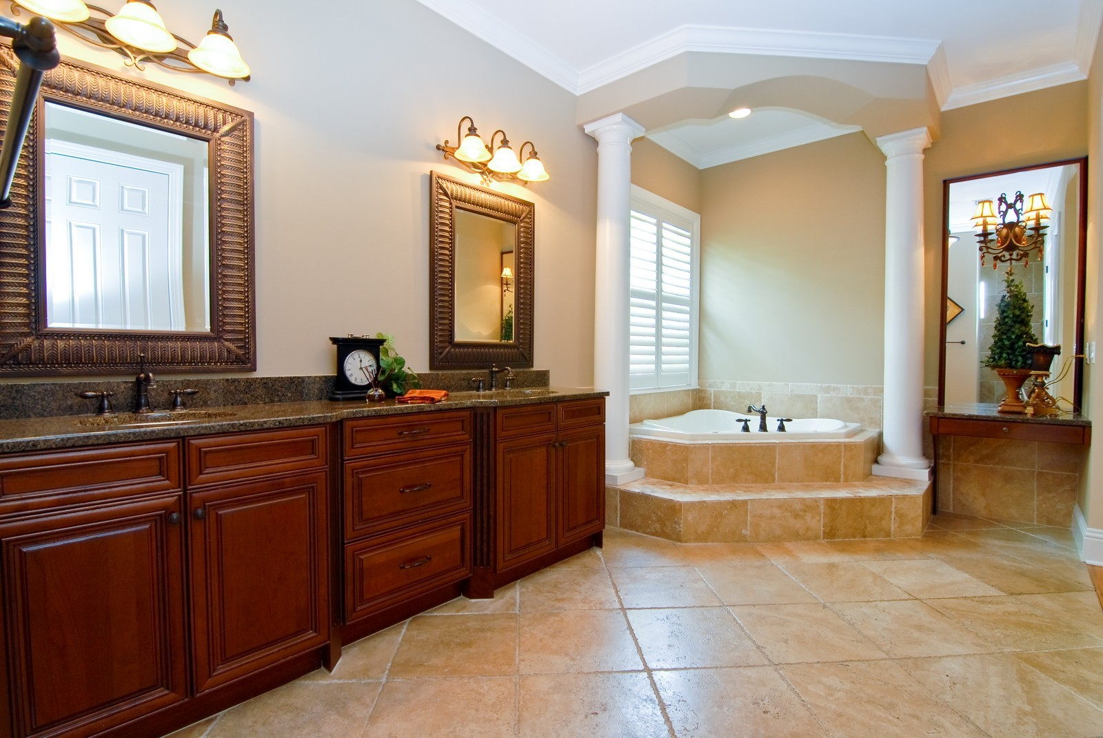 Real Estate Photography - 3107 Fountain Blvd, Tampa, FL, 33609 - Master Bathroom