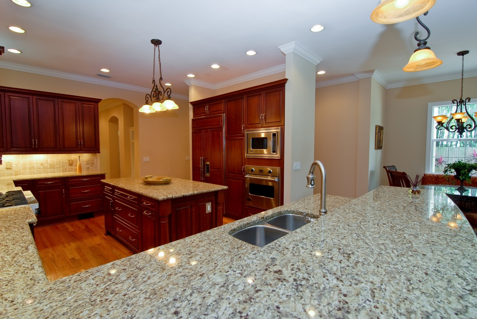 Real Estate Photography - 3107 Fountain Blvd, Tampa, FL, 33609 - Kitchen / Breakfast Room