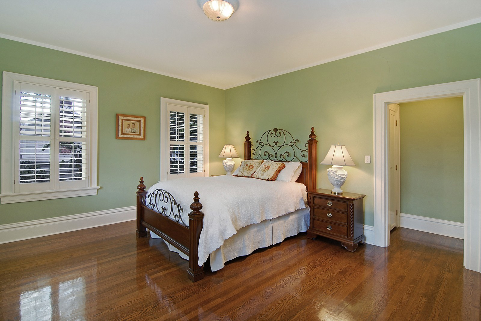 Real Estate Photography - 2223 S. Bendelow Trail, Tampa, FL, 33629 - Guest Bedroom