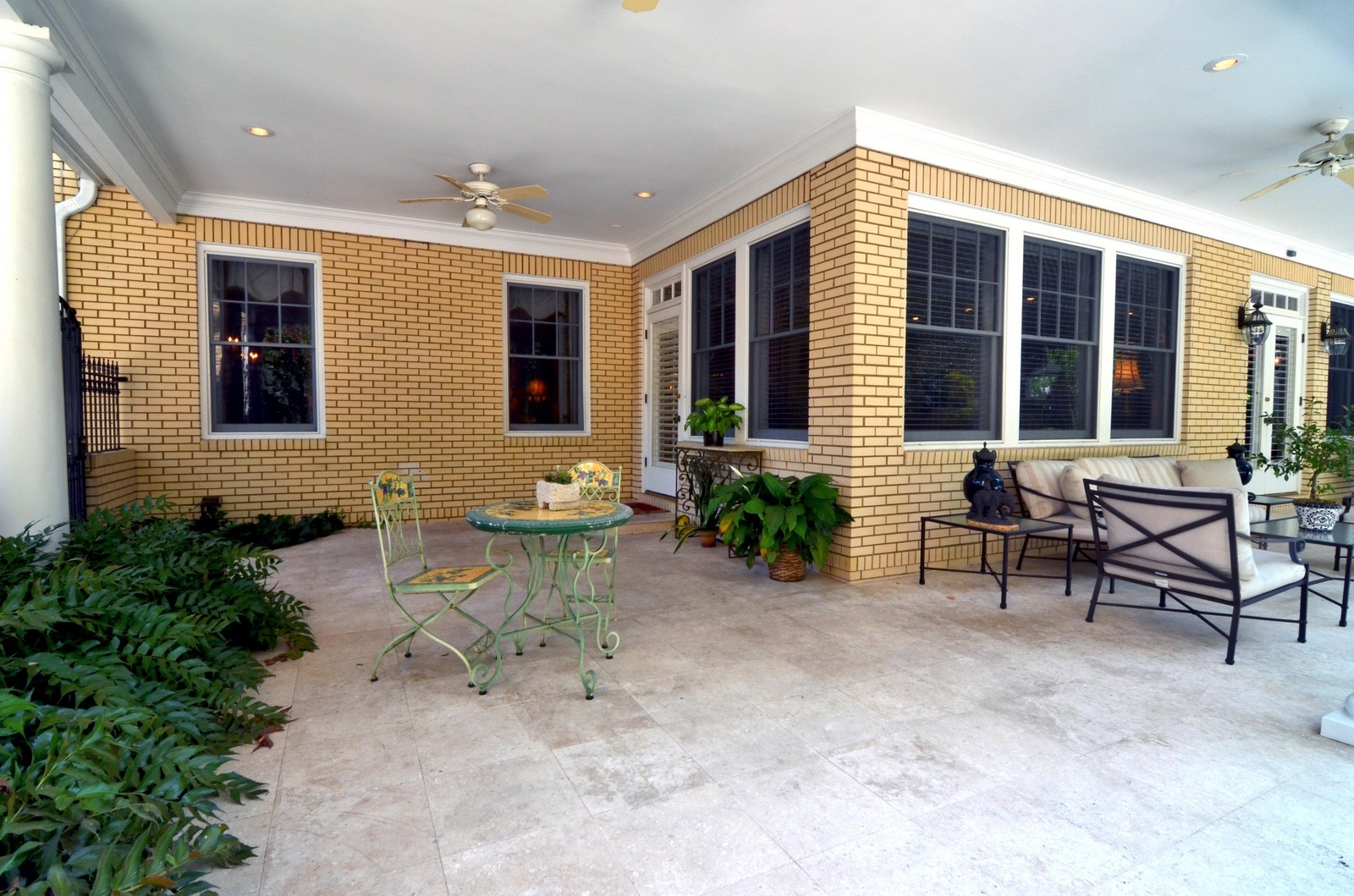 Real Estate Photography - 2223 S. Bendelow Trail, Tampa, FL, 33629 - Patio