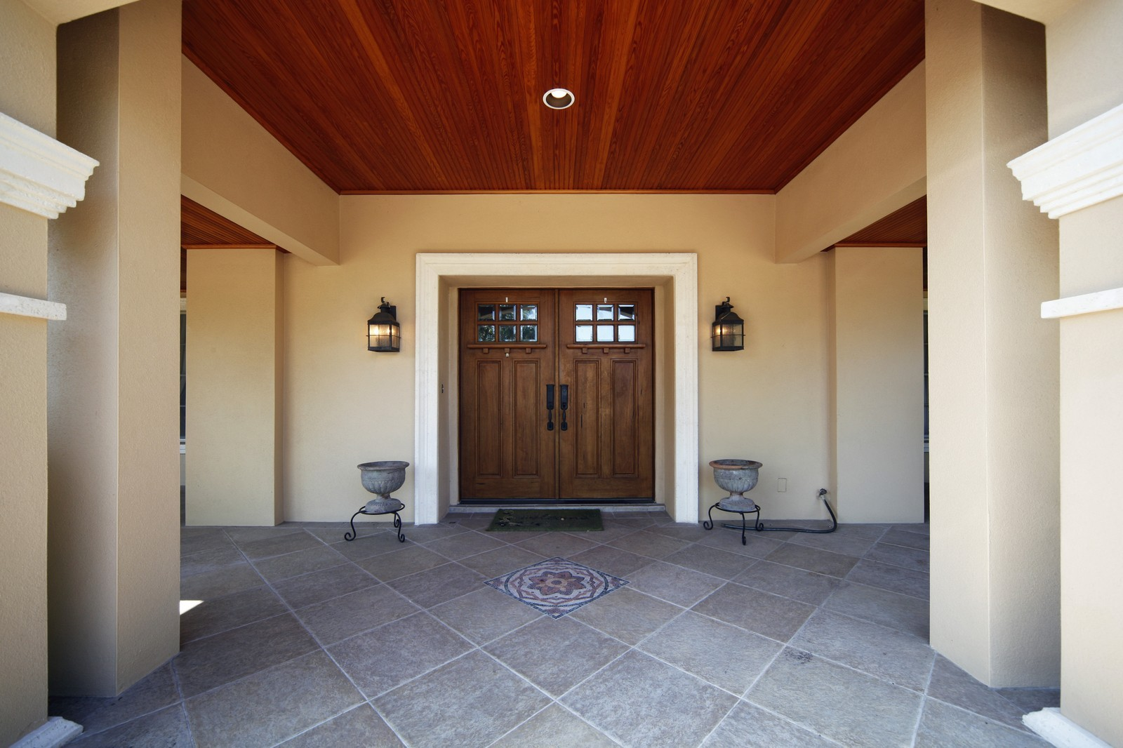 Real Estate Photography - 4920 Lyford Cay Road, Tampa, FL, 33629 - Entryway
