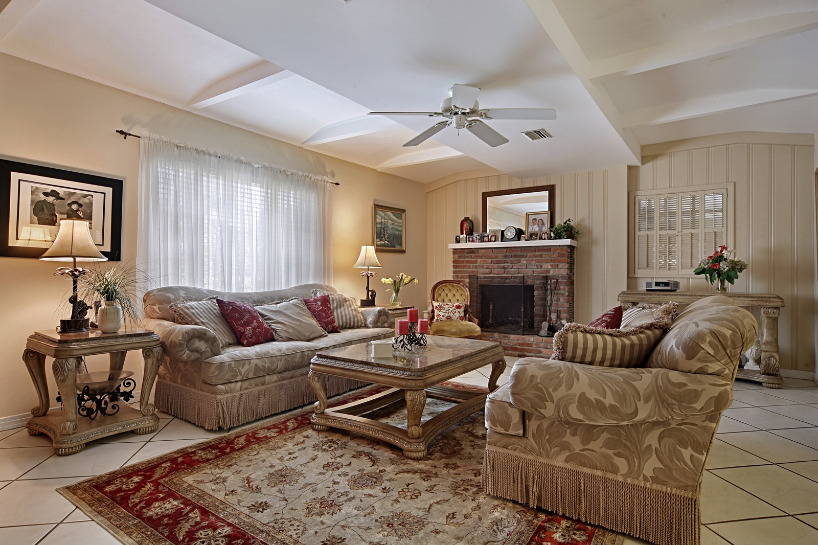 Real Estate Photography - 2621 N Dundee St, Tampa, FL, 33629 - Living Room