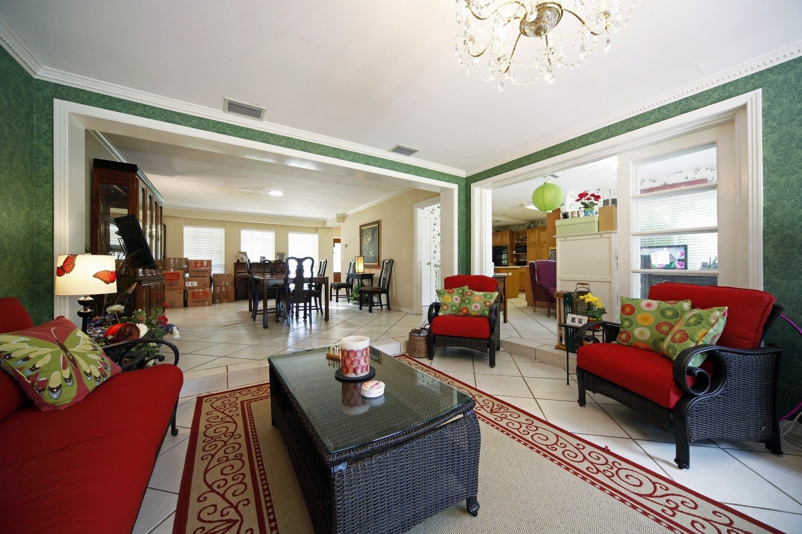 Real Estate Photography - 2621 N Dundee St, Tampa, FL, 33629 - Family Room