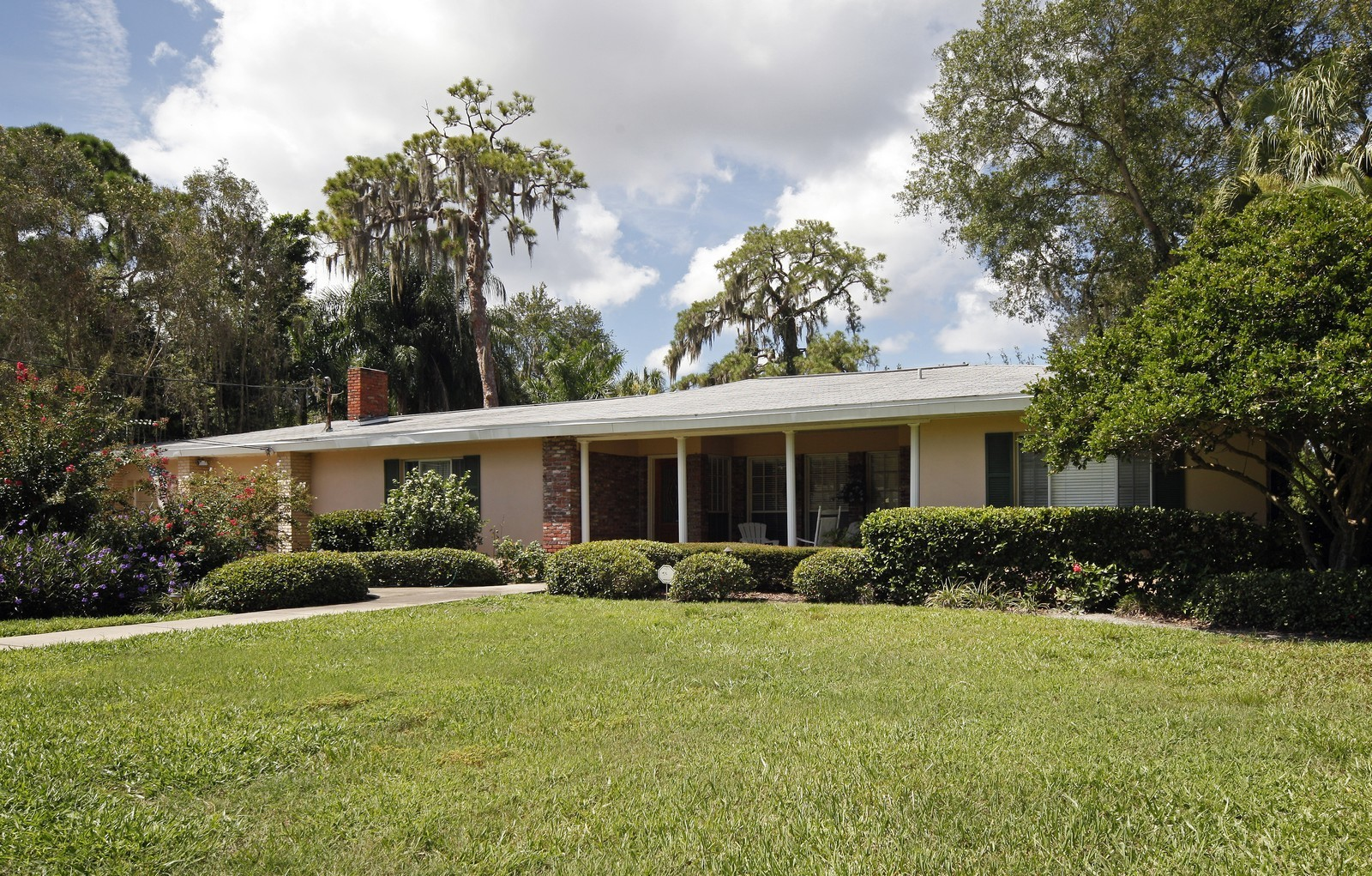 Real Estate Photography - 2621 N Dundee St, Tampa, FL, 33629 - Front View